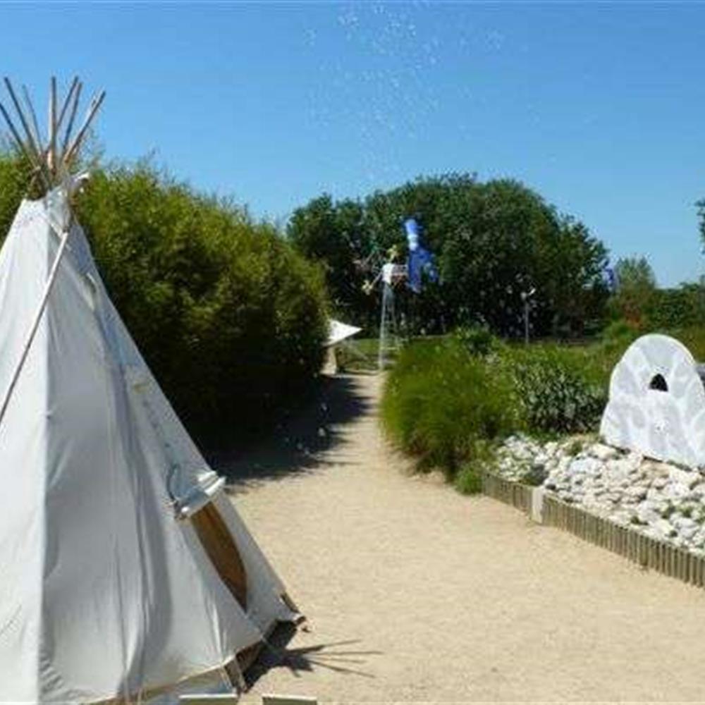 Le jardin du vent notre dame de monts camping des pins notre dame de monts 85 for Le grand jardin in notre dame de monts